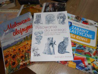 Kolekcja książek i albumów o sztuce i artystach w Filii nr 4